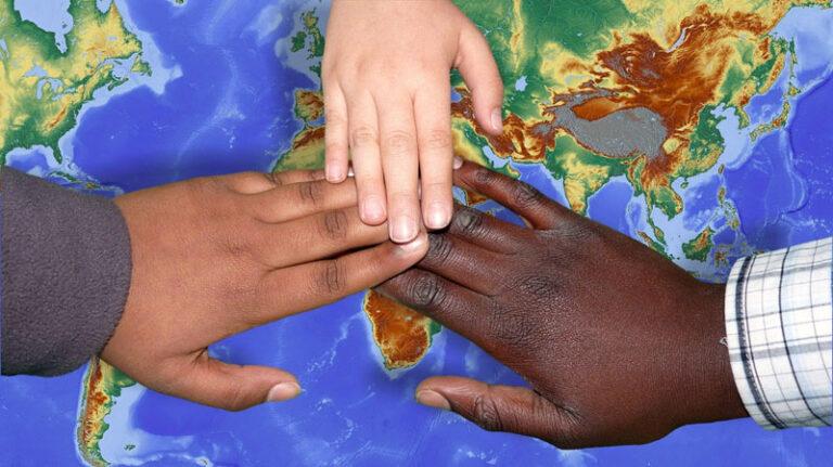 Breklum: Gespräch über Entwicklungspolitik durch Gemeinden