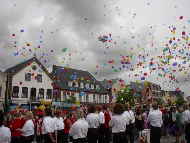 Bredstedter Kinderfest 2001: Die Sonne meinte es gut!